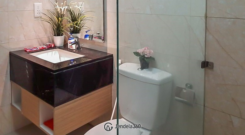 Bathroom Apartemen The Mansion Kemayoran Jasmine