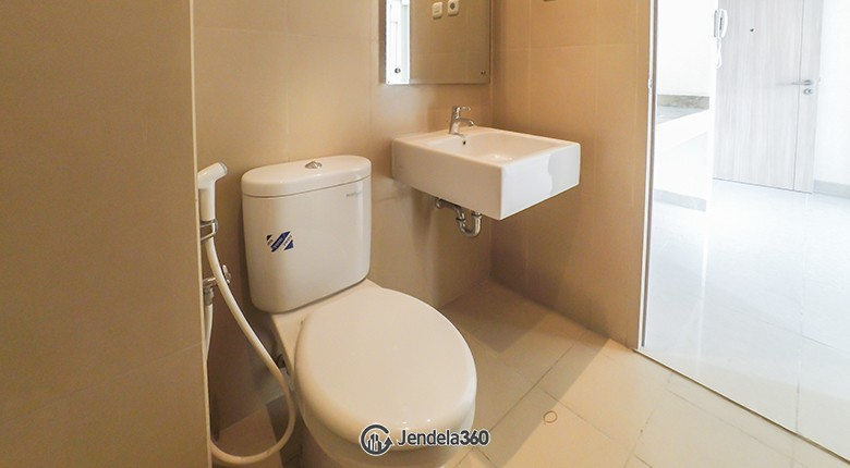 Bathroom Elpis Residences Apartment