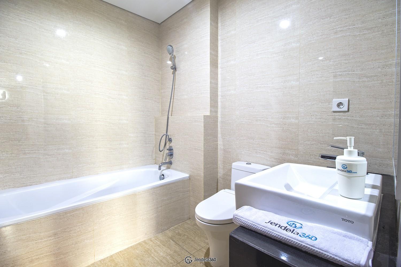 Bathroom Apartemen AKR Gallery West Residences