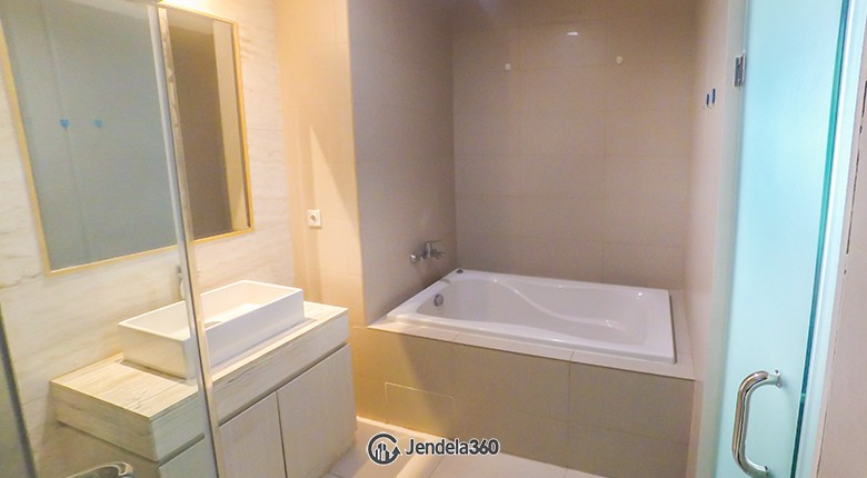Bathroom Residence 8 Senopati Apartment
