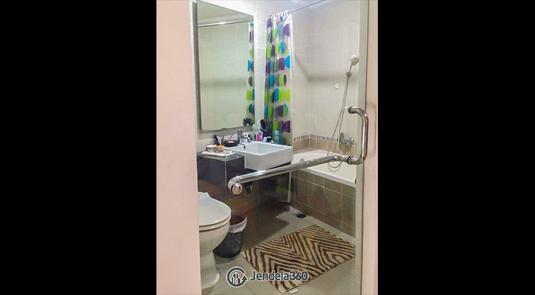 Bathroom Sahid Sudirman Residence Apartment