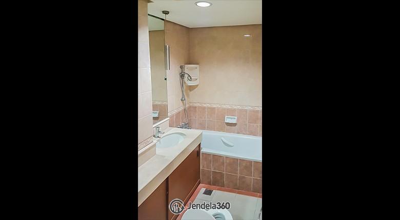 Bathroom Apartemen Grand ITC Permata Hijau