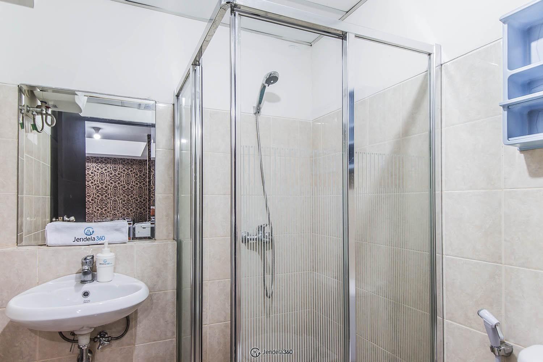 Bathroom Apartemen The Wave Apartment