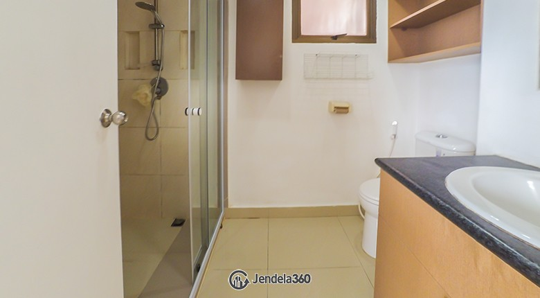 Bathroom Apartemen Taman Rasuna Apartment