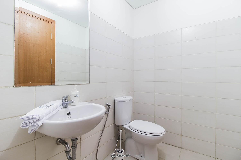 Bathroom Woodland Park Residence Kalibata