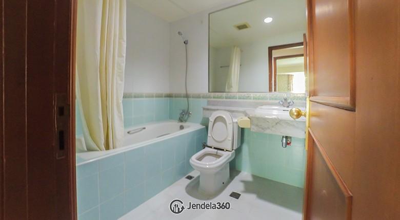 Bathroom Apartemen Casablanca Apartment