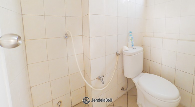 Bathroom Bintaro Park View Apartment