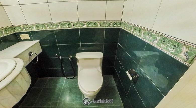 Bathroom Permata Gandaria Apartment Apartment