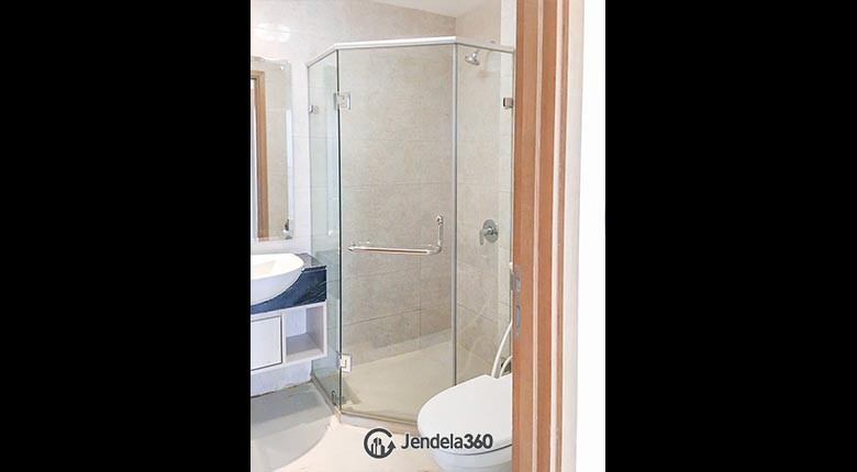 Bathroom The Mansion Kemayoran Bougenville