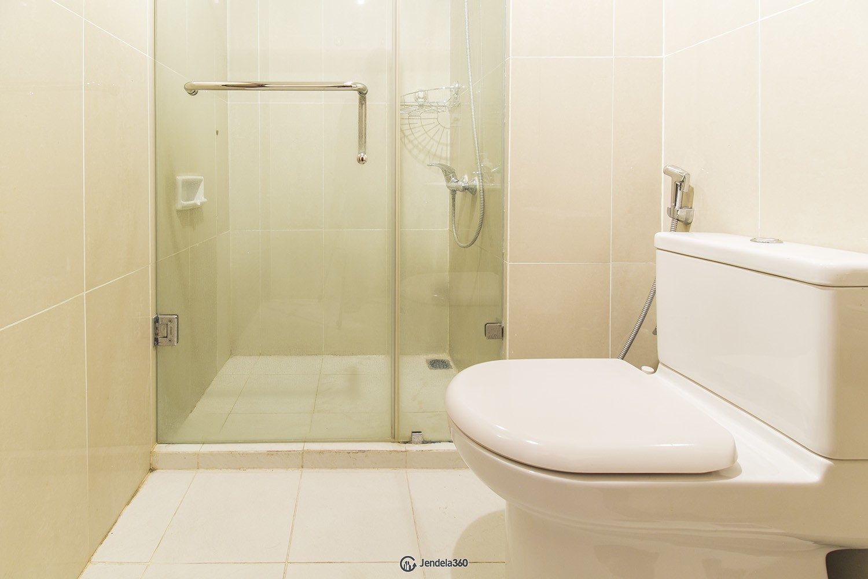 Bathroom Kuningan City (Denpasar Residence) Apartment