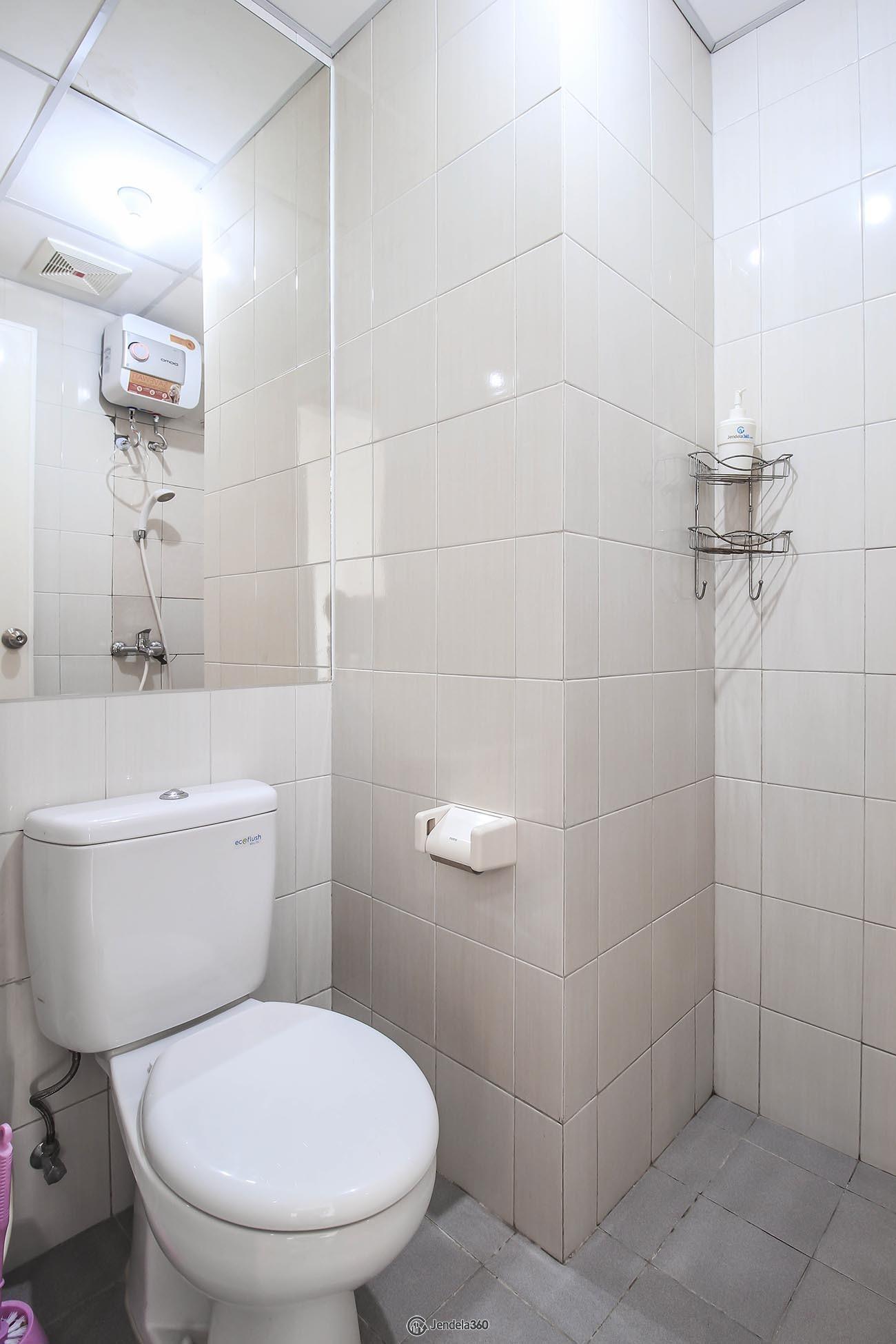 Bathroom Signature Park Grande Apartment