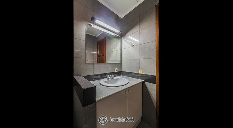 Bathroom Apartemen Pondok Club Villa