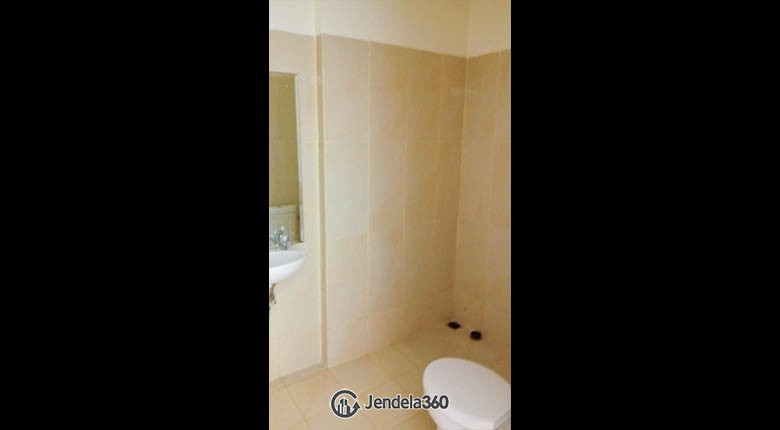 Bathroom Northland Ancol Residence Apartment