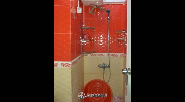 Bathroom Apartemen Sentra Timur Residence