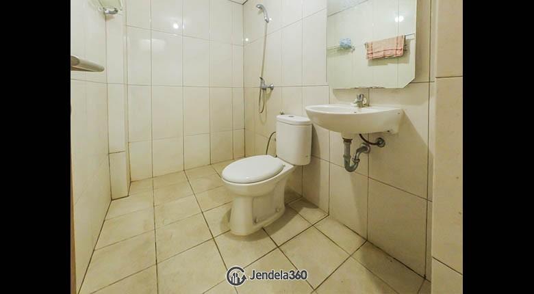 Bathroom Apartemen The Nest Apartment