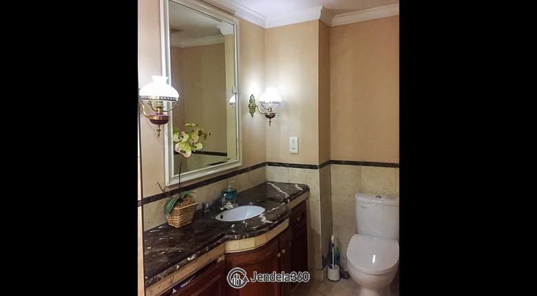 Bathroom Istana Sahid Apartment Apartment