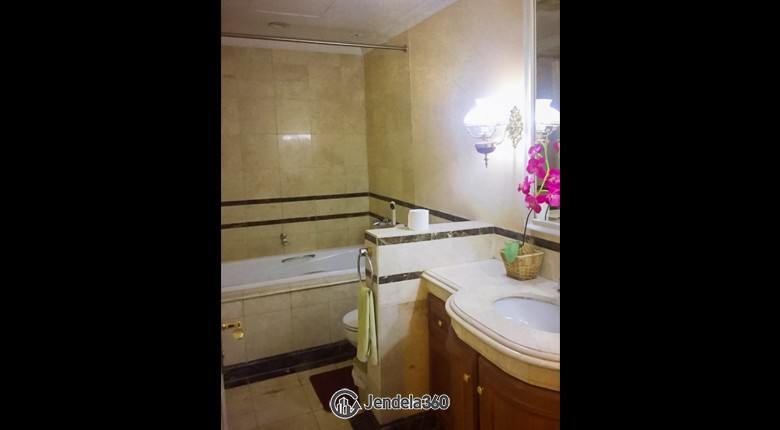 Bathroom Apartemen Istana Sahid Apartment