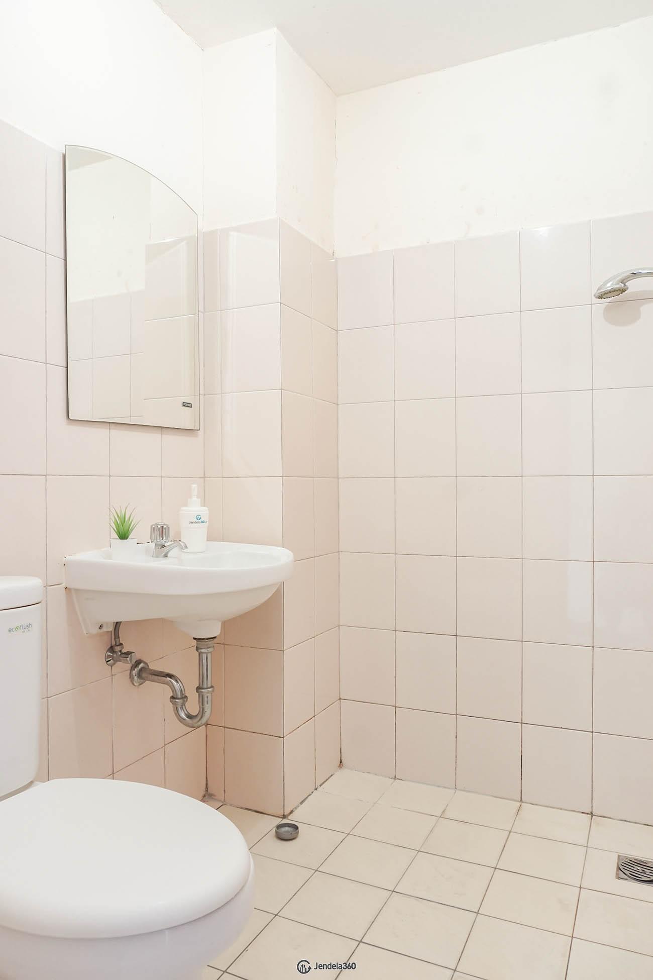 Bathroom Tifolia Apartment