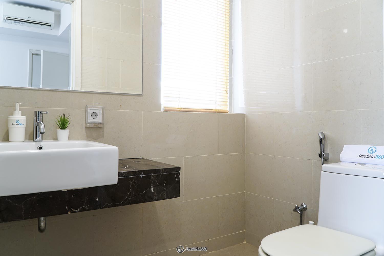 Bathroom Apartemen Casa Grande Apartment