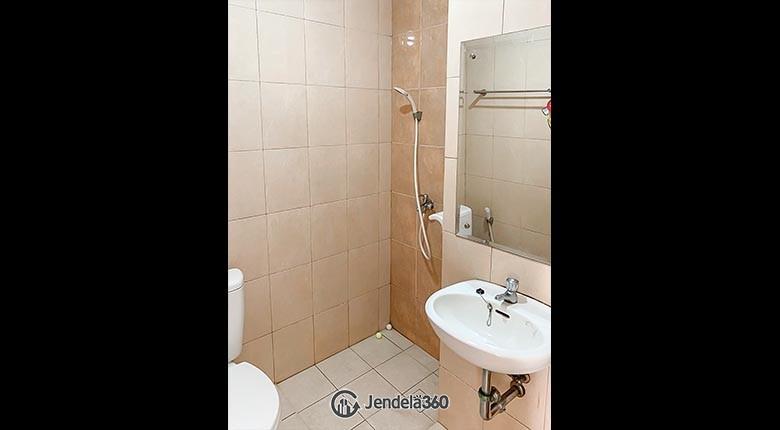 Bathroom Apartemen Margonda Residence 2