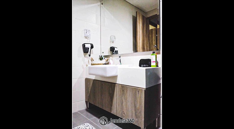 Bathroom Apartemen Pejaten Park Residence