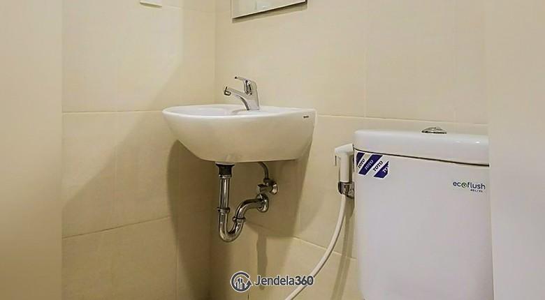 Bathroom Apartemen Bandara City Apartment