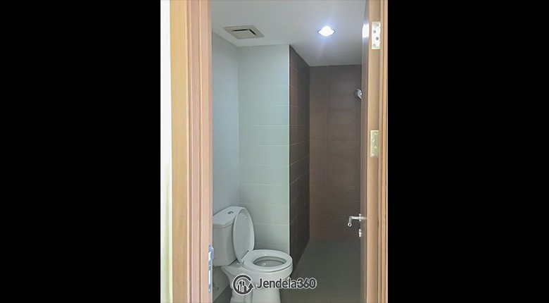 Bathroom Puri Orchard Apartment