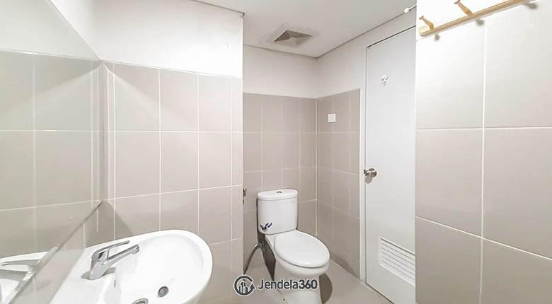 Bathroom Apartemen Altiz Apartment