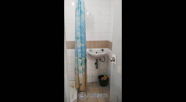 Bathroom Metropark Condominium Apartment
