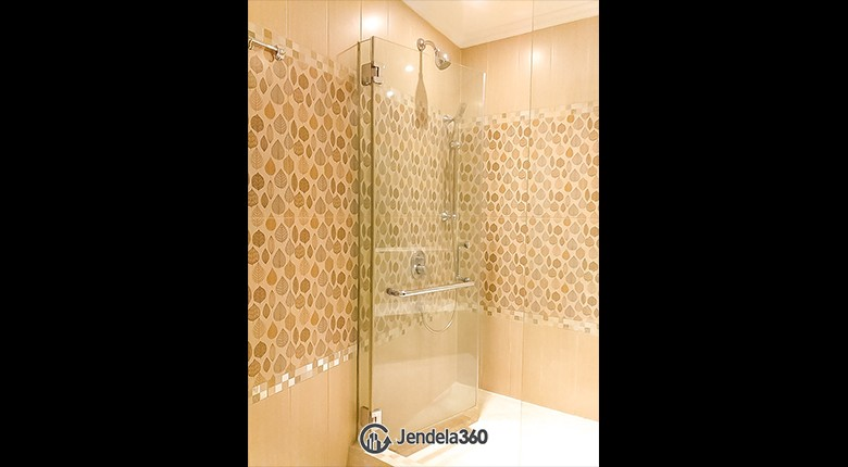 Bathroom Apartemen Bellagio Residence