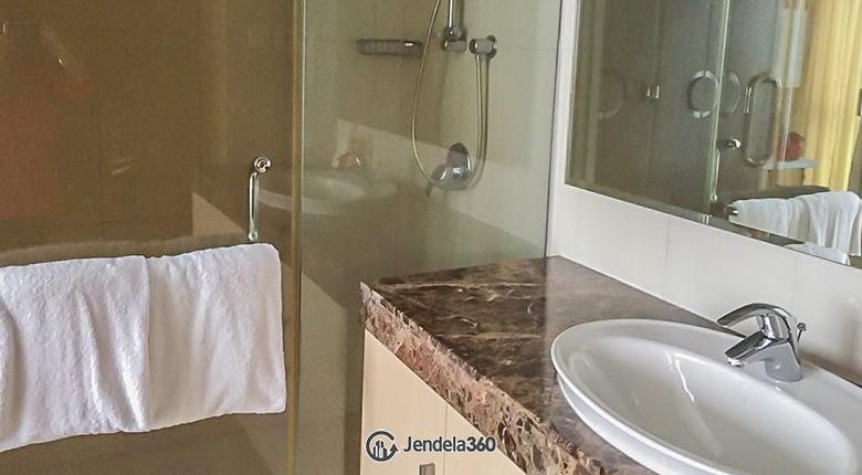 Bathroom The Mansion Kemang Apartment