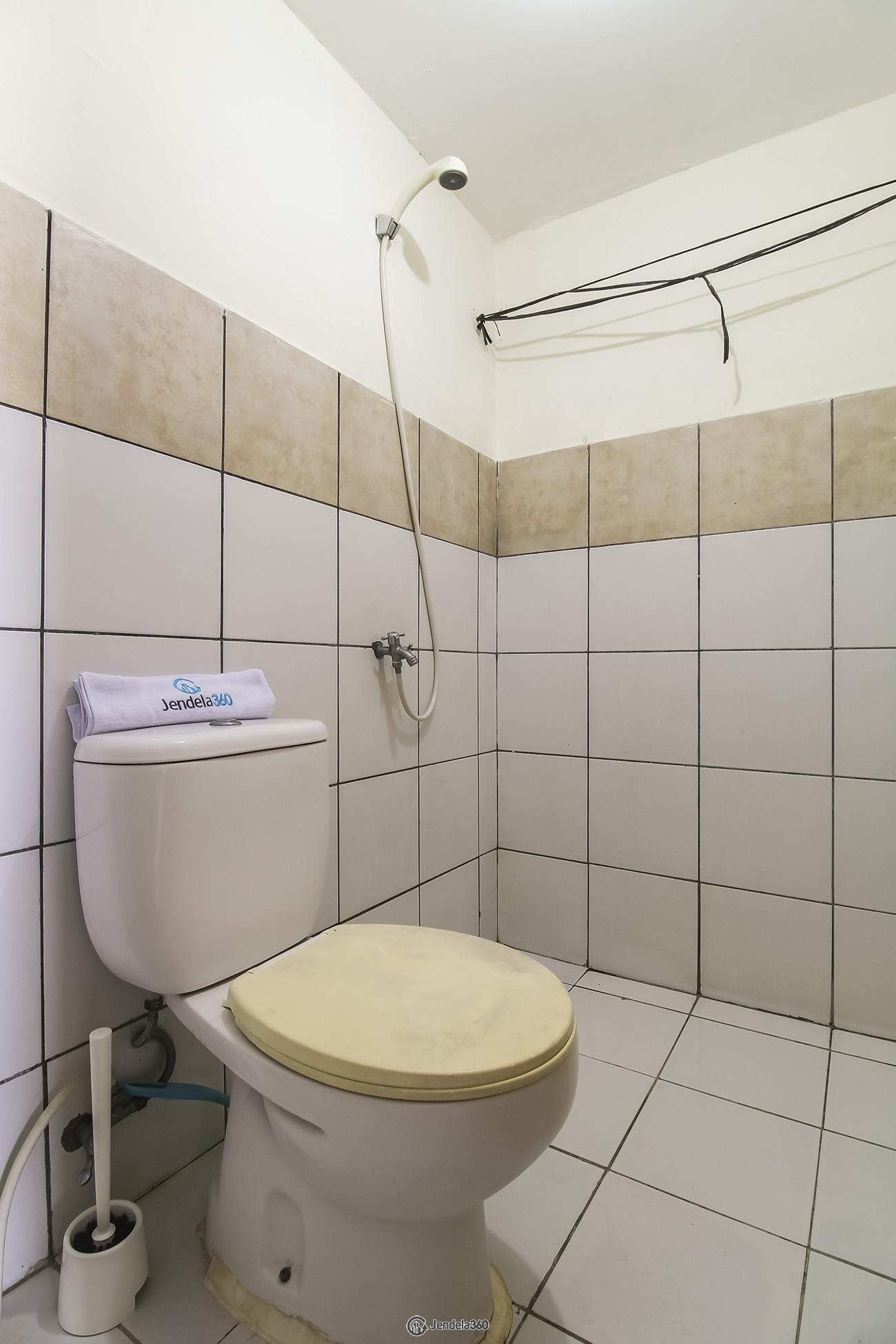 Bathroom East Park Apartment