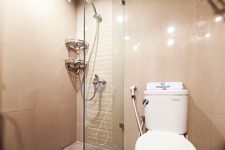 Bathroom Apartemen The H Residence