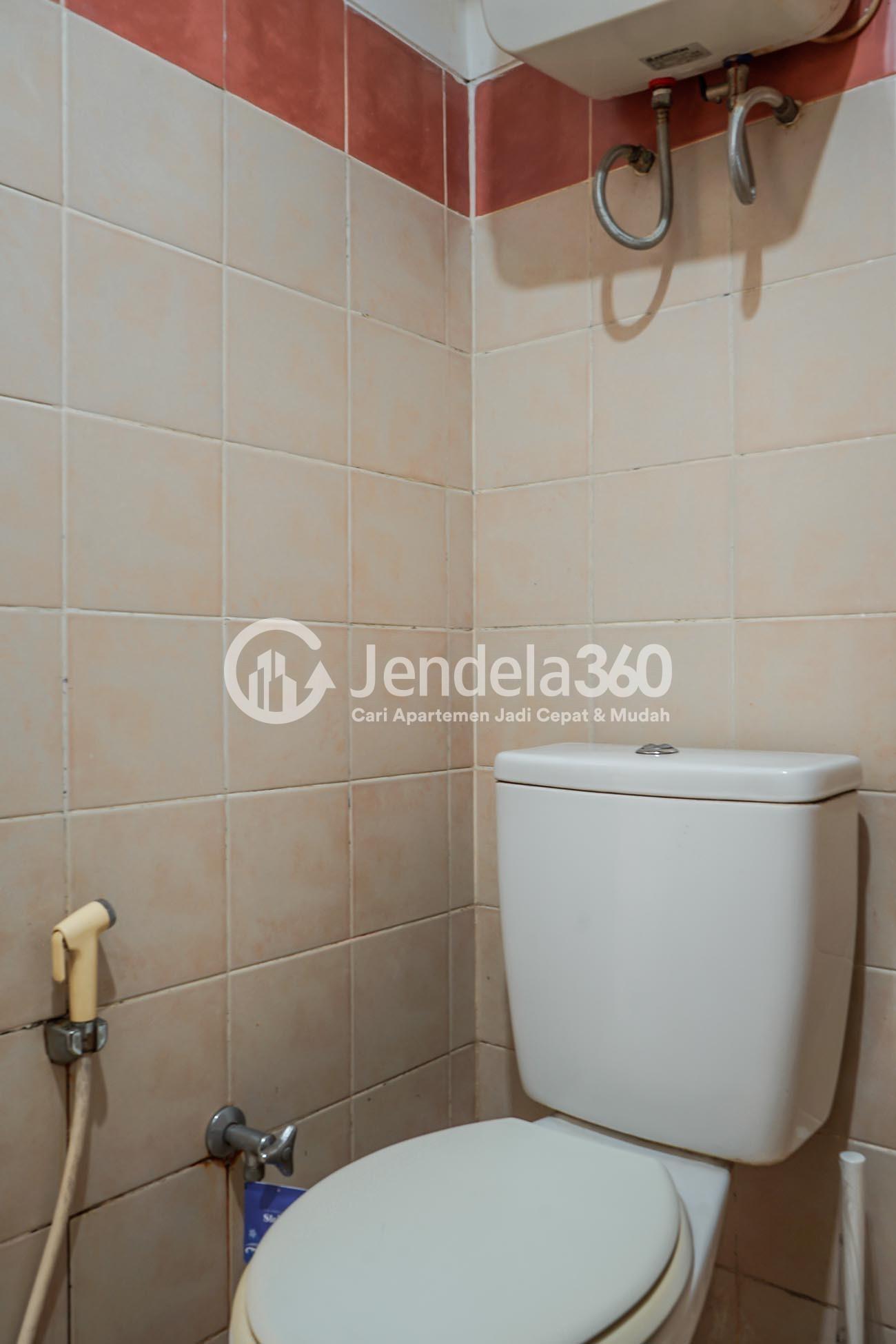 Bathroom Semanan Indah Apartment
