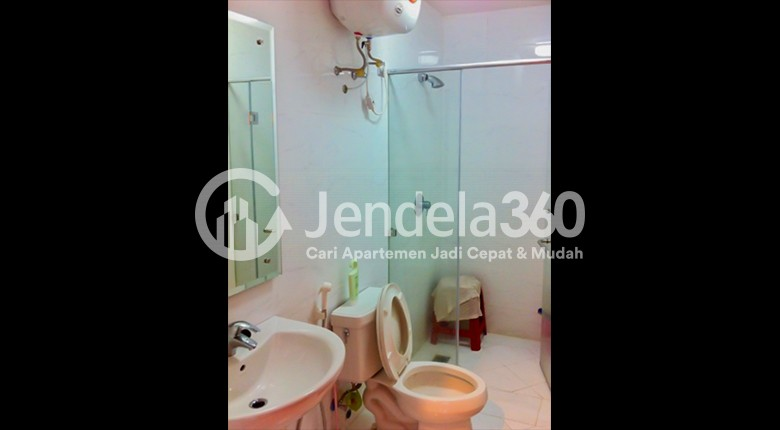 Bathroom Apartemen Ancol Mansion Apartment