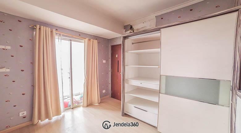 bedroom 1 Apartemen Royal Mediterania Garden Residence
