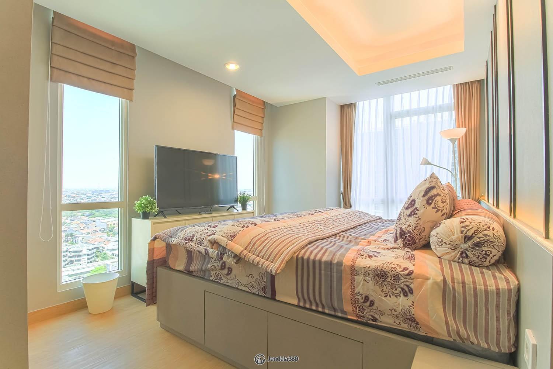 Bedroom 1 Apartemen The Kensington Royal Suites