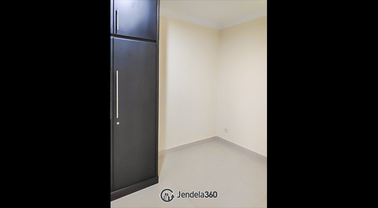 bedroom 2 CBD Pluit Apartment