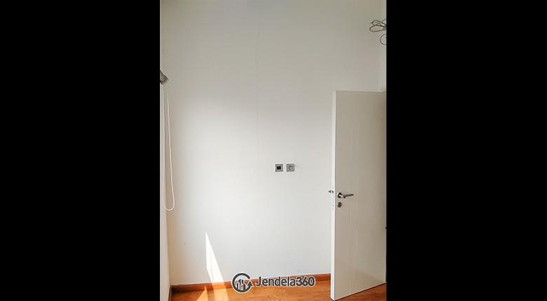 Bedroom 2 Apartemen Season City Apartment