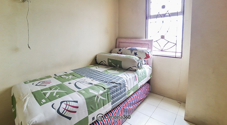 Bedroom 2 Apartemen Green Park View Apartment