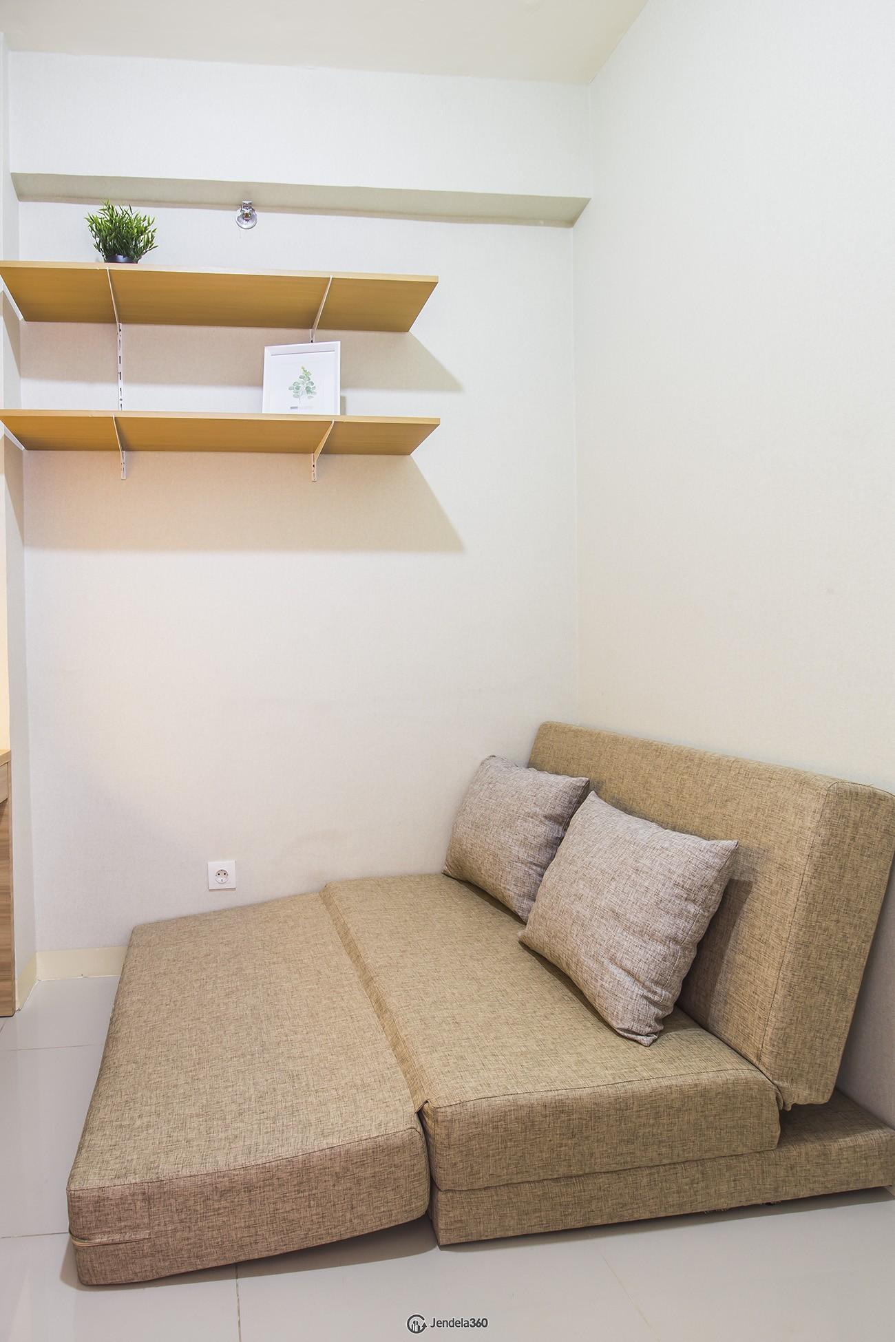 Bedroom 2 Green Pramuka City Apartment
