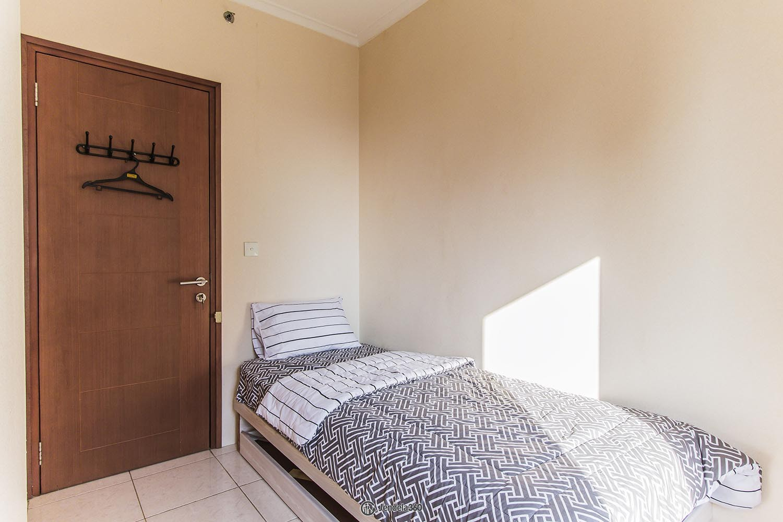 Bedroom 2 Apartemen Maple Park Apartment