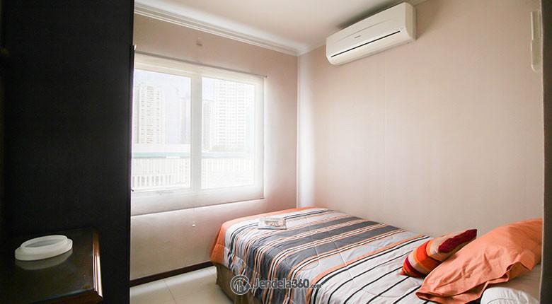Bedroom apartemen puri park view