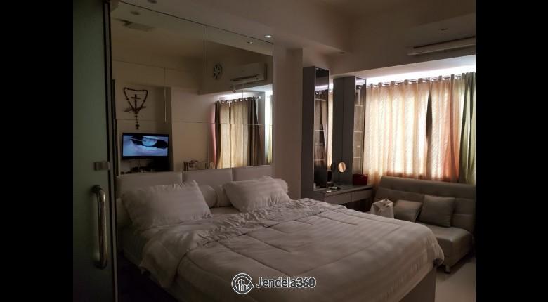 bedroom Apartemen Season City Apartment Studio View City