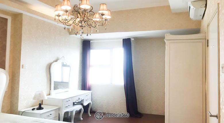 bedroom Season City Apartment