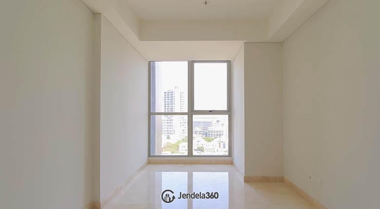 Bedroom Apartemen Gold Coast Apartment