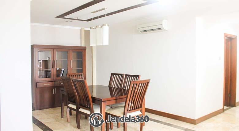 Dining Room Bumi Mas Apartment Apartment