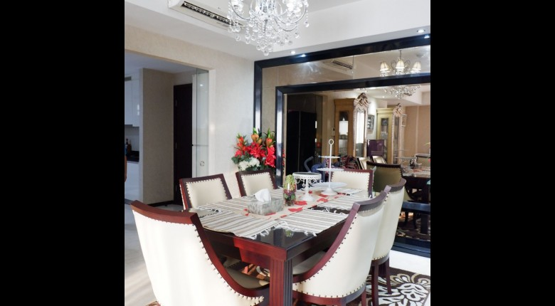 Dining Room Apartemen Casa Grande Apartment