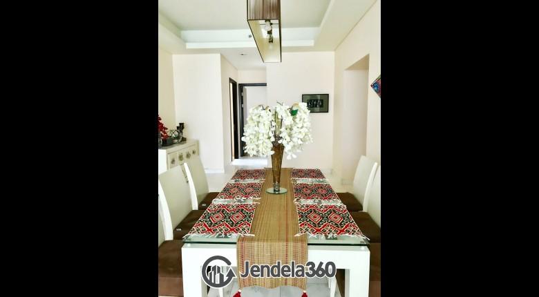 Dining Room Apartemen The Peak Apartment
