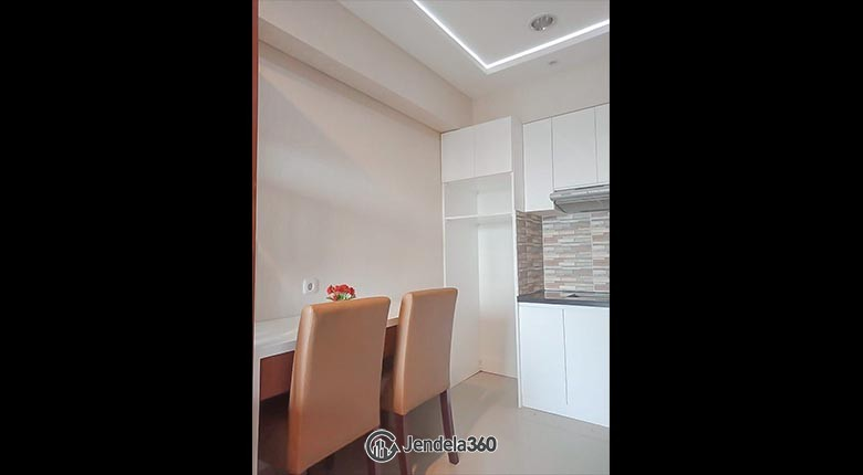 Dining room Apartemen The H Residences